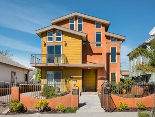 976 Stanford Ave, Oakland $670,000